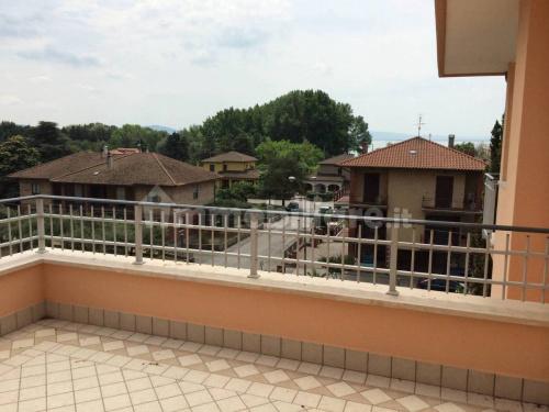 特拉西梅诺河畔帕西尼亚诺公寓