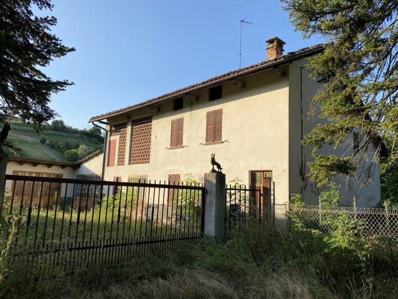 Hus på landet i San Marzano Oliveto