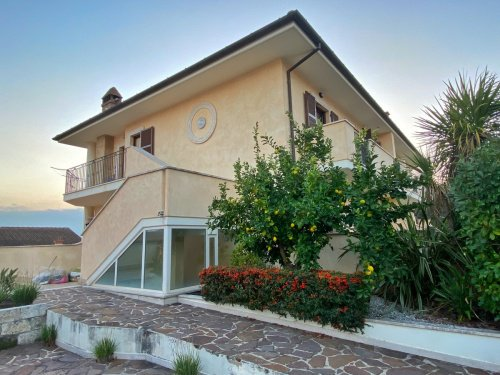 Eigenständiges Appartement in Castel di Lama