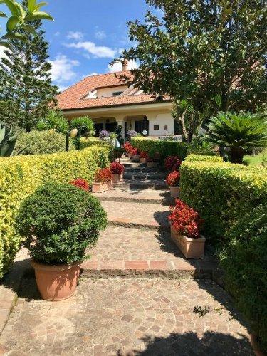 Villa en Piana di Monte Verna