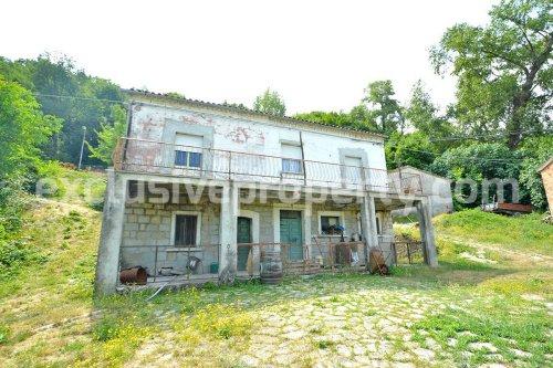 Maison de campagne à Roccaspinalveti