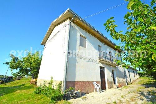 Hus på landet i Casalanguida
