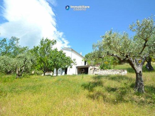 Landhaus in Civitacampomarano