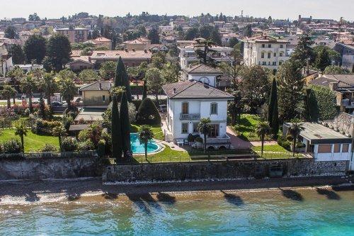 Historiskt hus i Desenzano del Garda