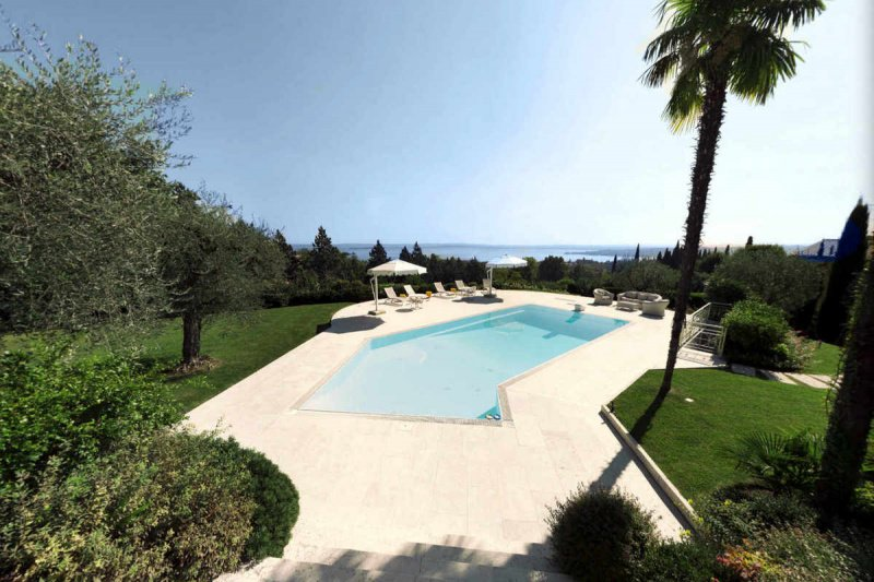 Villa in Padenghe sul Garda