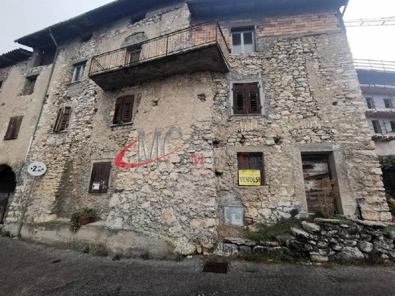 Detached house in Isera