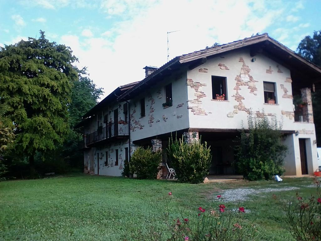 Bauernhaus in Lessona