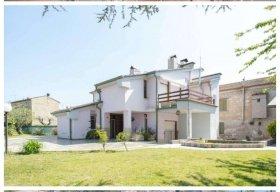 Villa en Attigliano