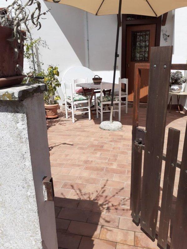 Особняк из двух квартир в Баньореджо