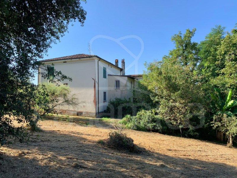 Hus på landet i Lucca