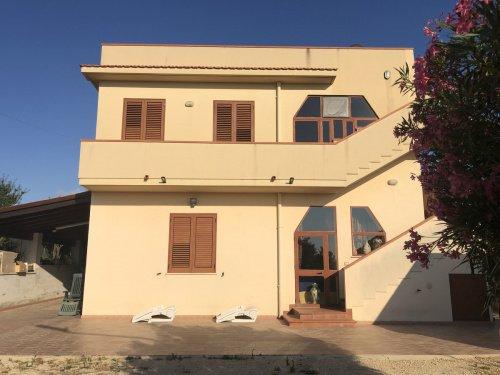 Villa in Menfi