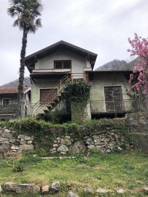 Landhaus in Gravellona Toce