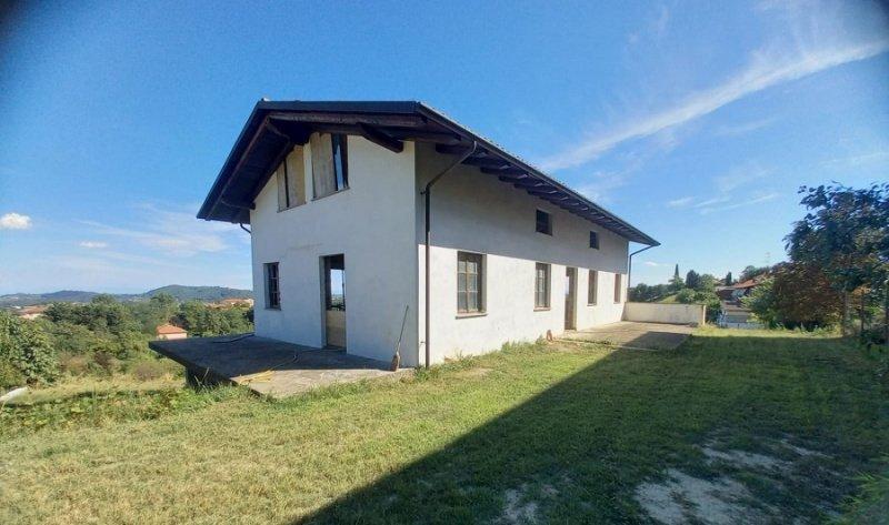 Villa en Ponzano Monferrato